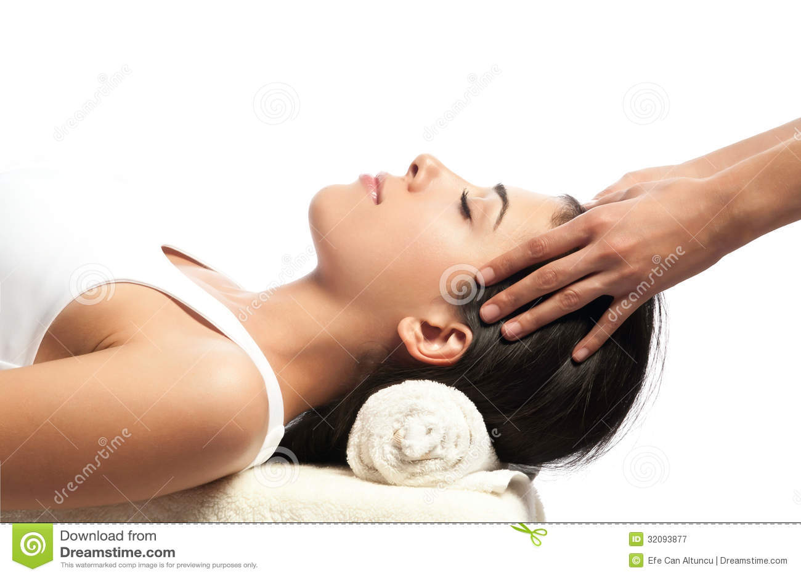 Masaje de la cara y de la cabeza en el balneario