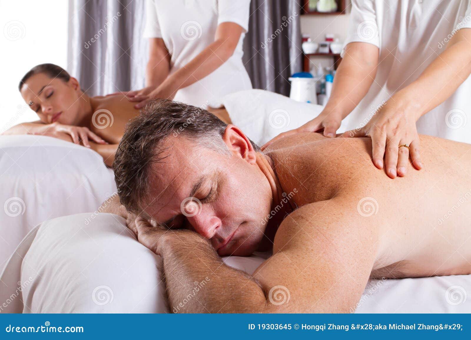 Masaje del hombre y de la mujer