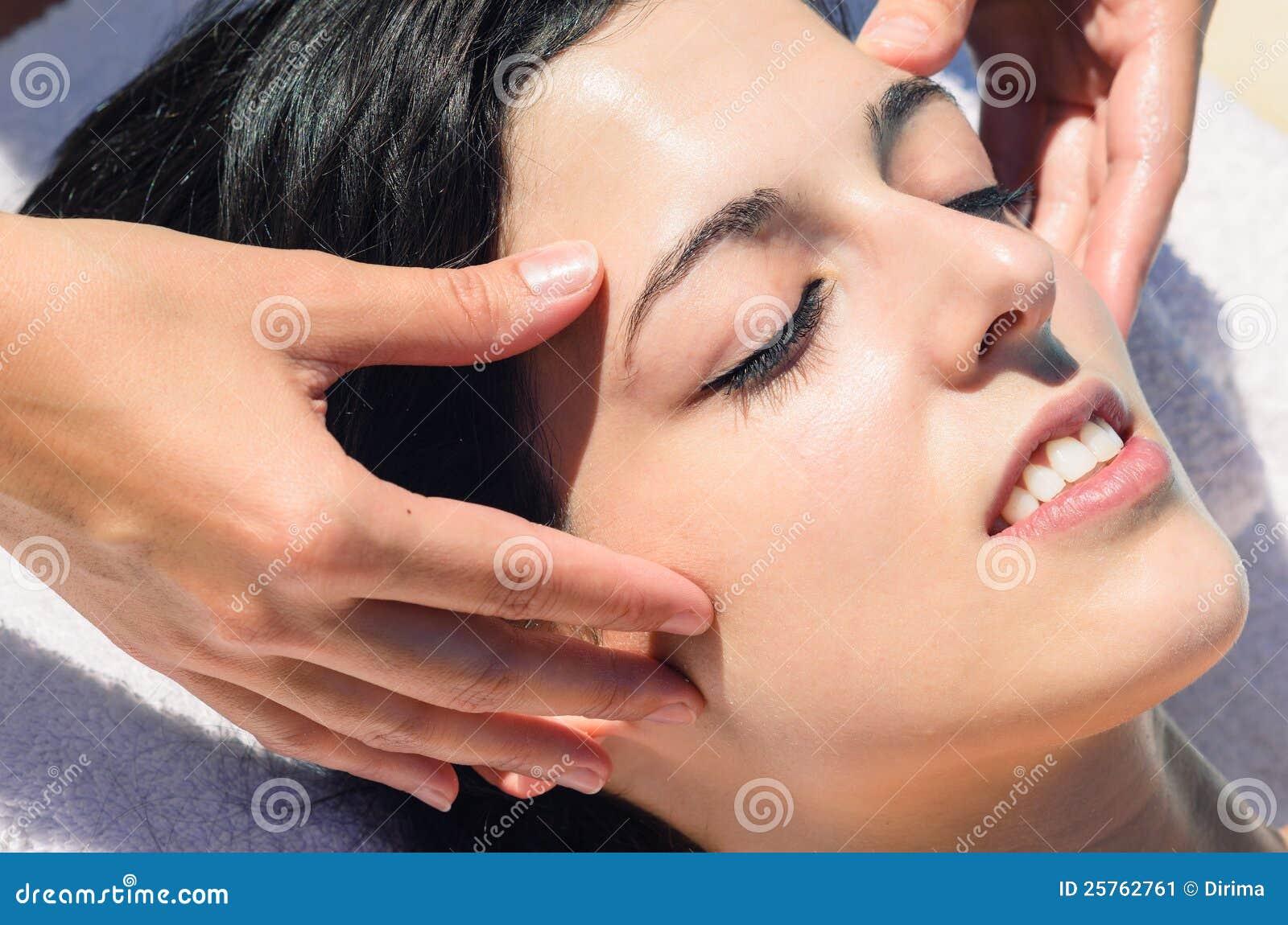 club masaje facial