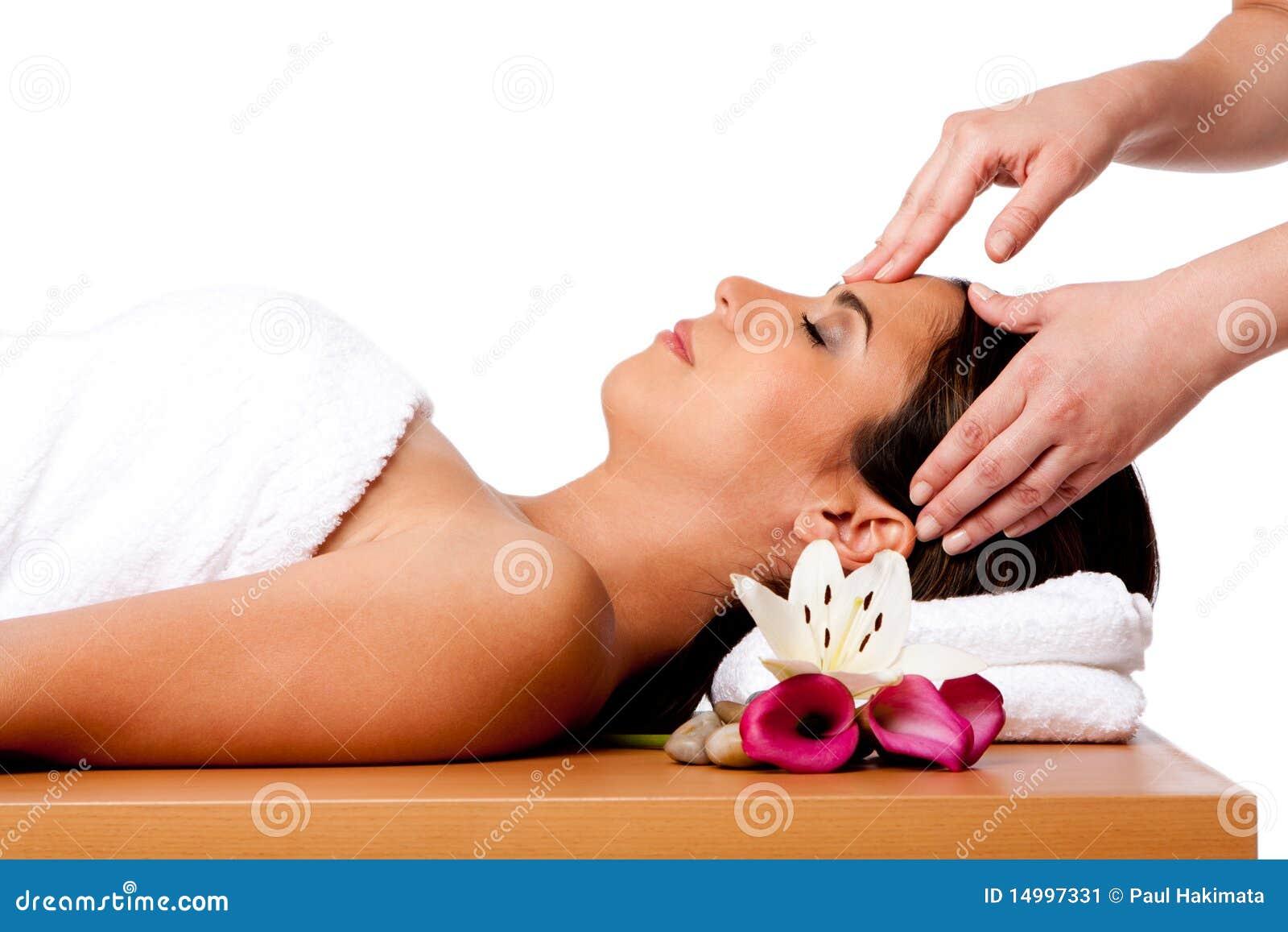 Masaje facial en balneario