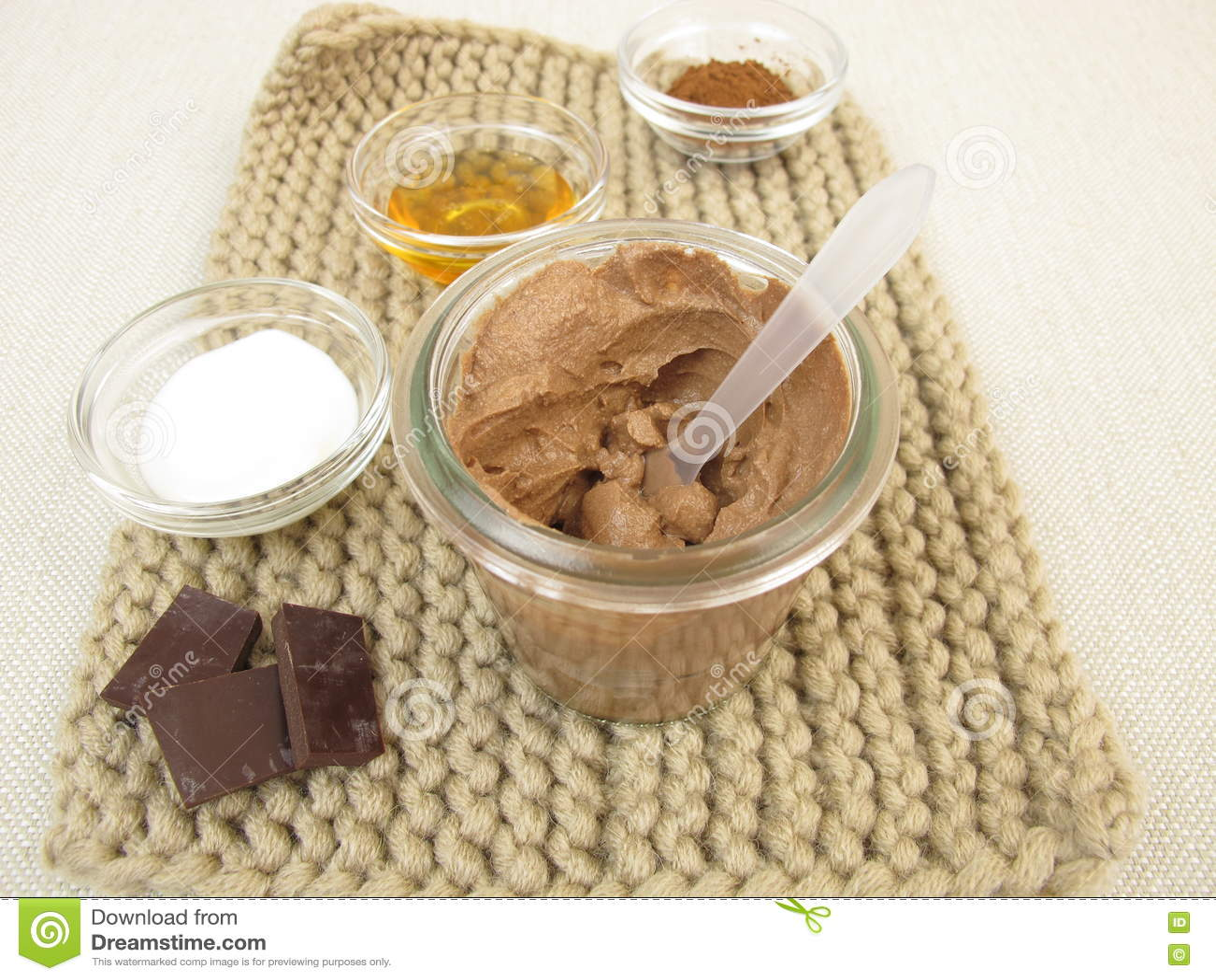 Maschera del cioccolato con yogurt e miele