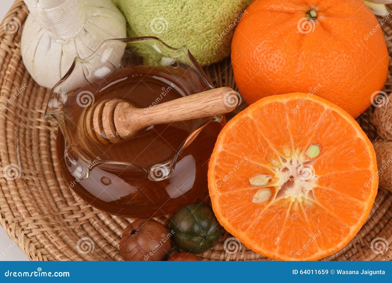 Maschera di protezione con l arancia ed il miele per lisciare imbiancatura pelle e dell acne facciali