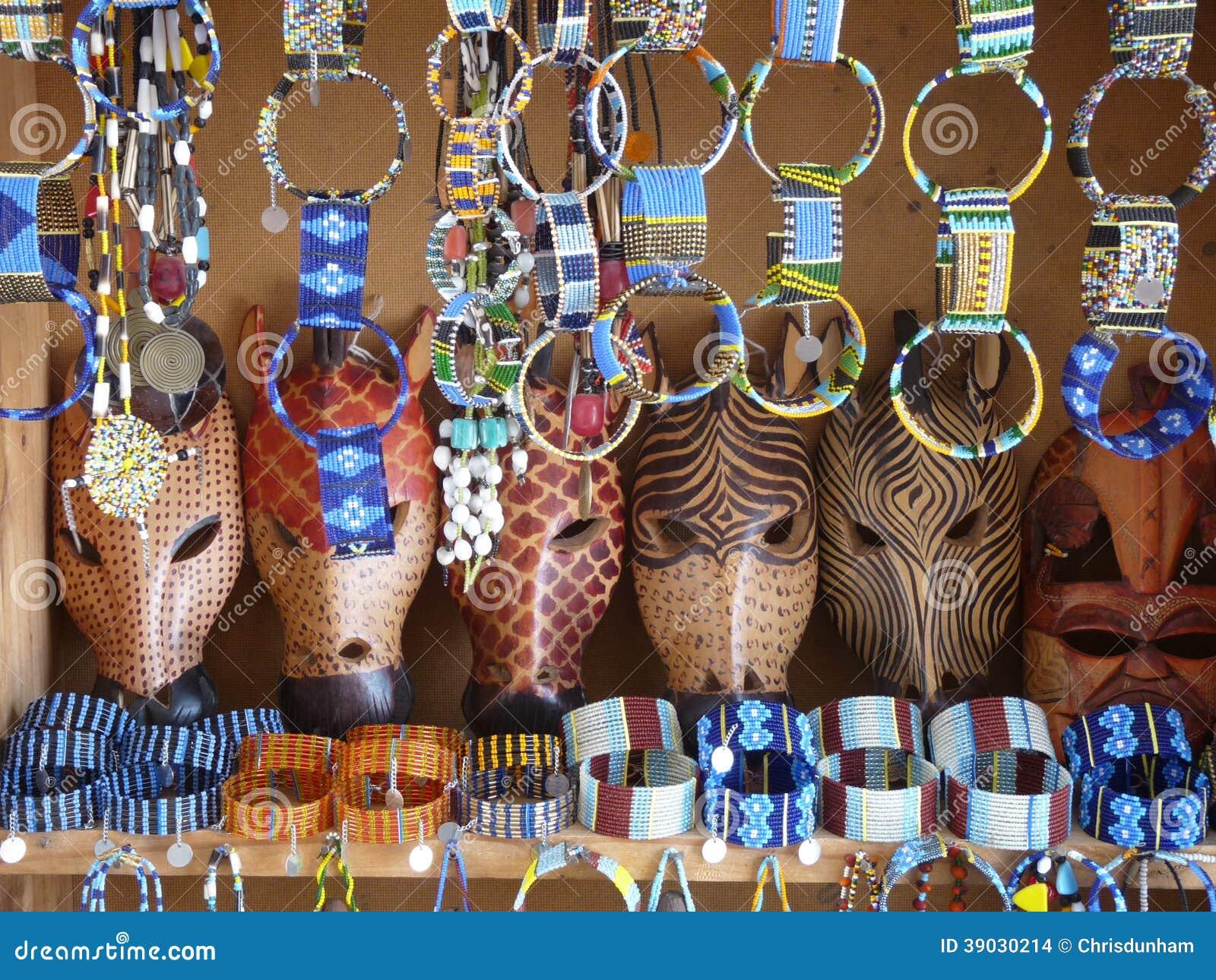 Maschere Animali Africane E Gioielli Masai Fotografia