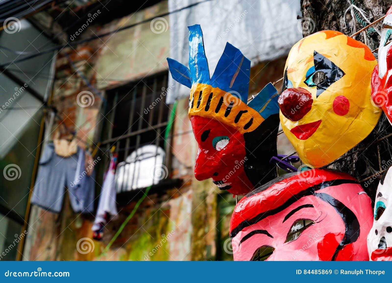 Sconto speciale buona vendita alta moda Maschere Fatte A Mano Sulla Vendita Sulle Vie Del Vietnam ...