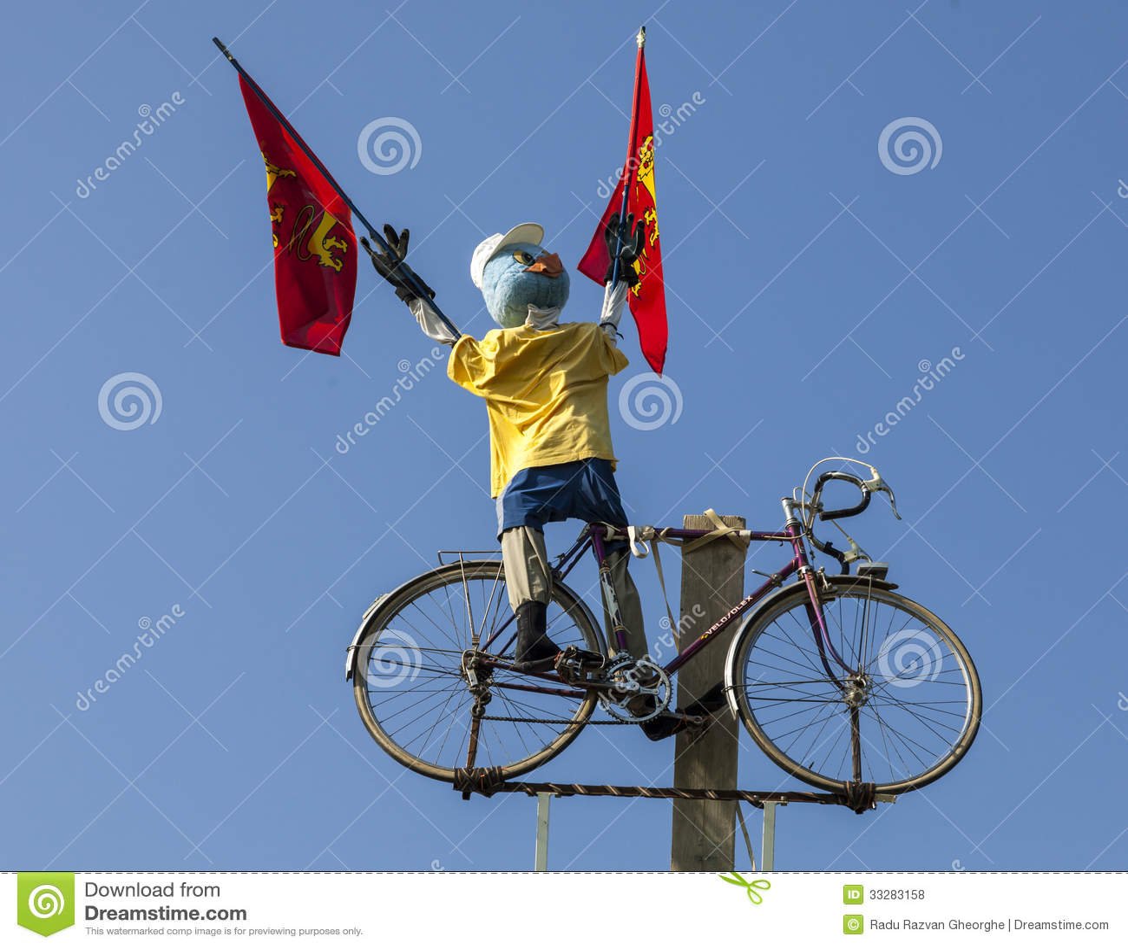 Mascote engraçada do ciclista