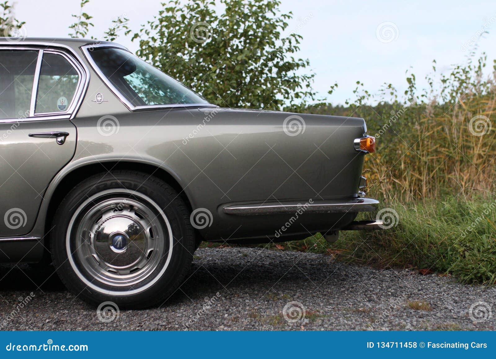 Maserati Quattroporte 1965 - Left Behind Of The Car ...