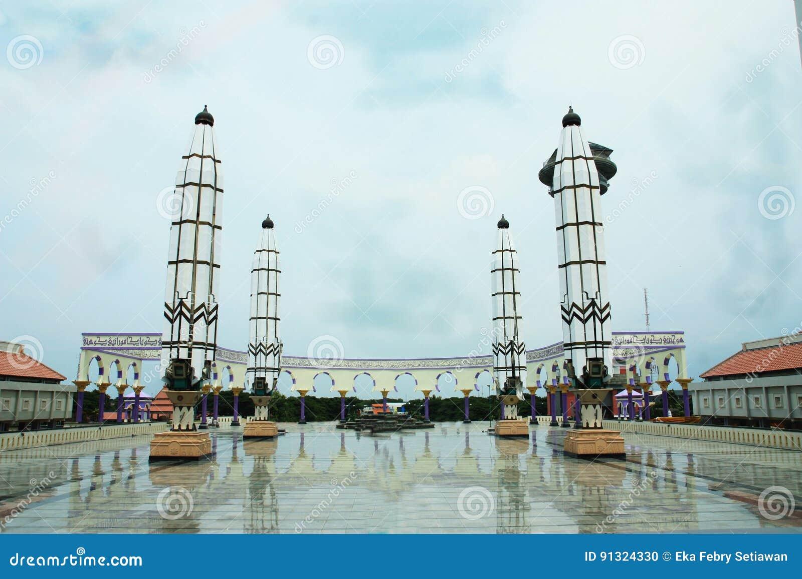 Masjid Agung Jawa Tengah Indonesia Foto De Stock Imagem De
