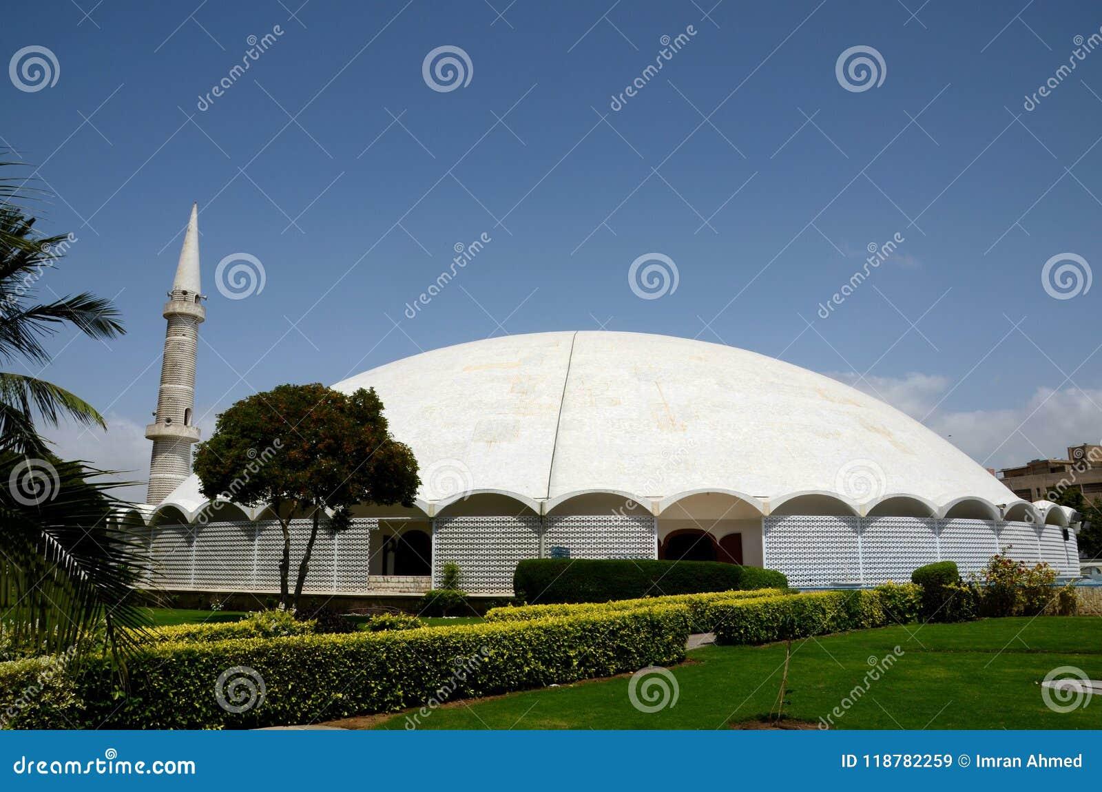 Masjid Tooba of Ronde Moskee met marmeren koepelminaret en tuinendefensie Pakistan Van karachi