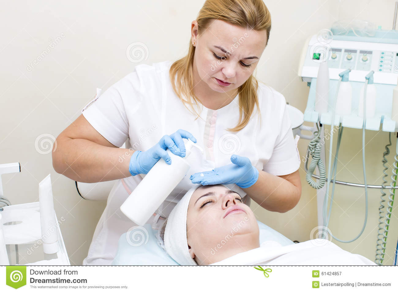 Mask facial stock photo image 61424857 for A trial beauty treatment salon