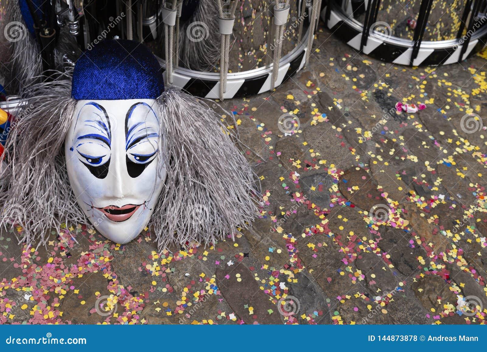 Maskeringar för Baselkarneval 2019 och snaravalsar