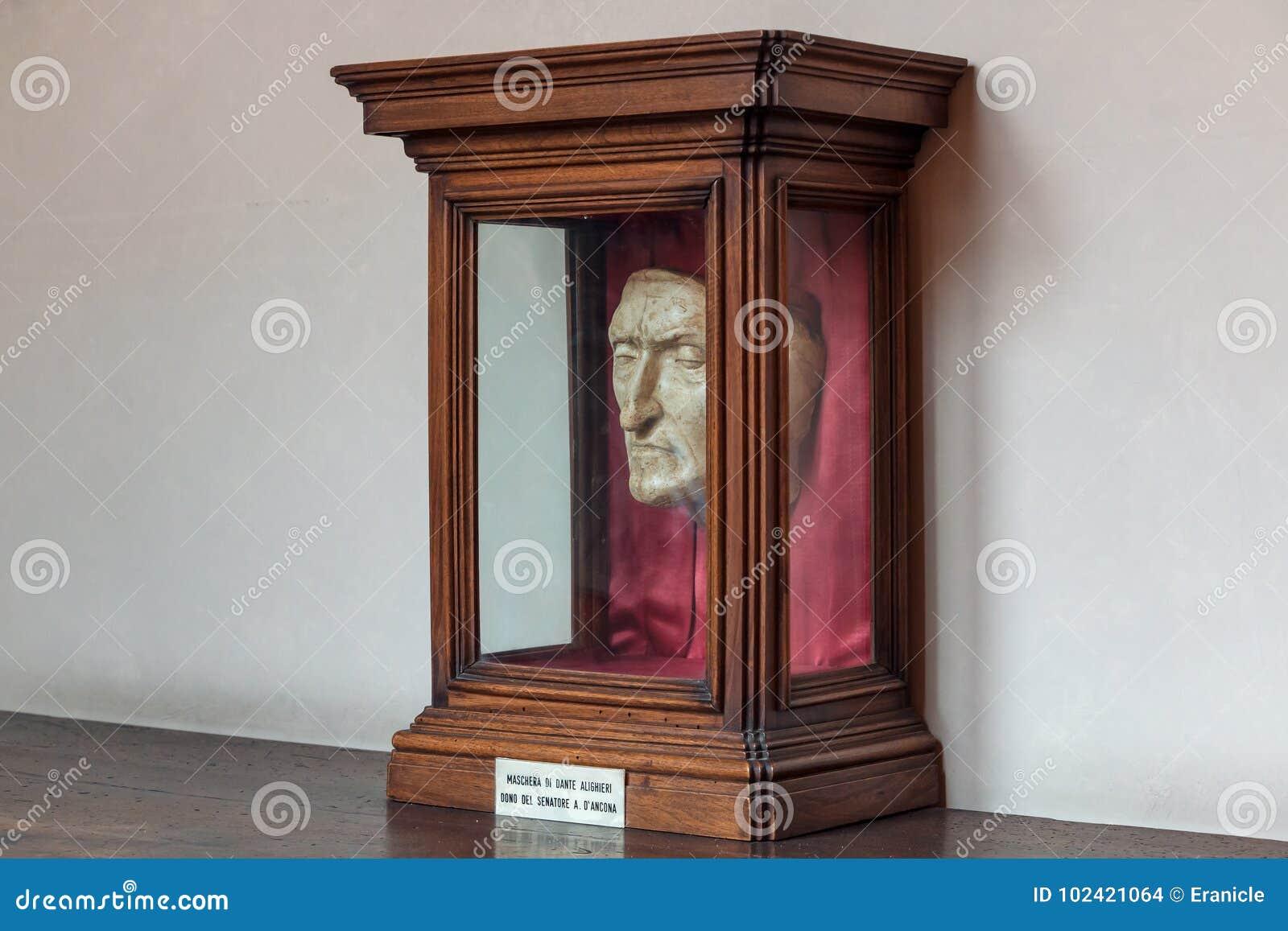 riche et magnifique en ligne capture Masque de mort de Dante image stock éditorial. Image du ...
