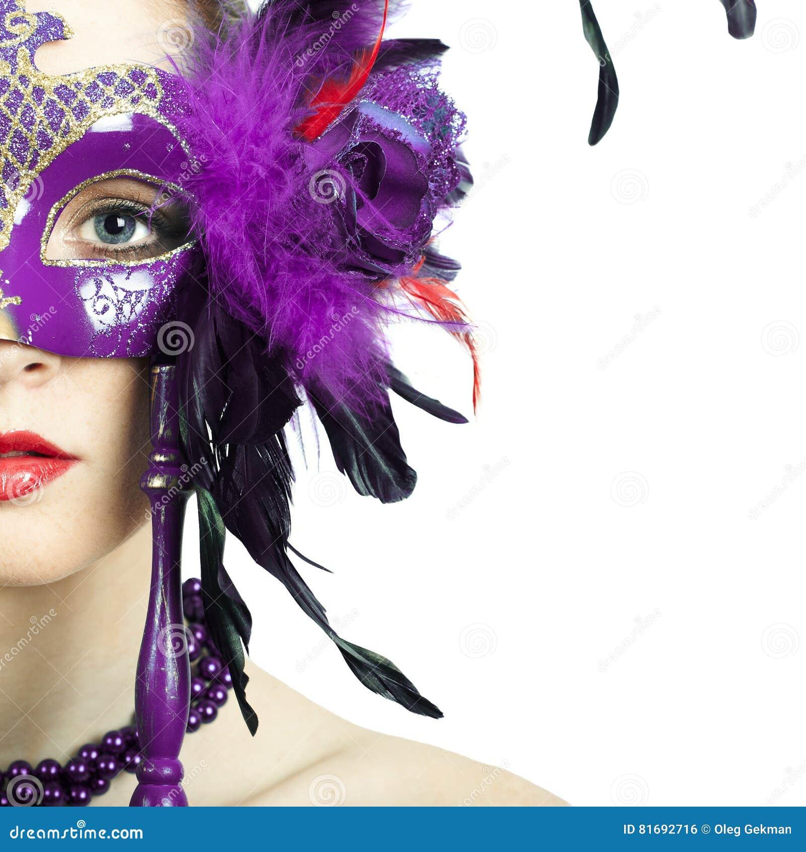 Masque vénitien de port de carnaval de mascarade de femme modèle de beauté