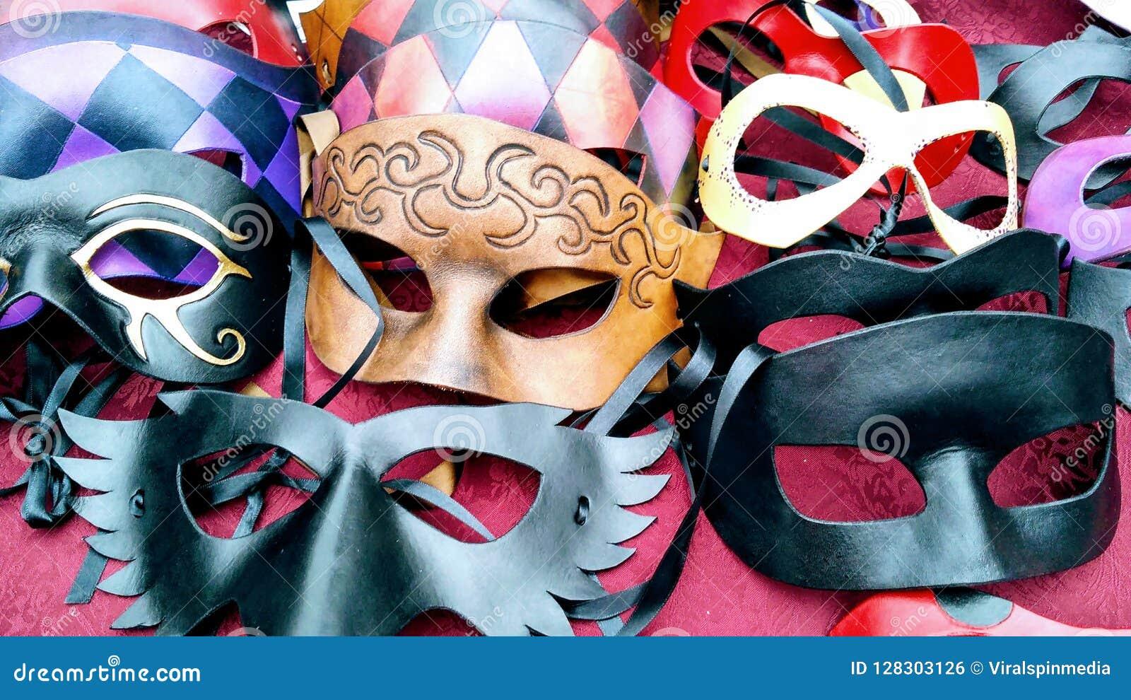 Masques de pantomime de vintage