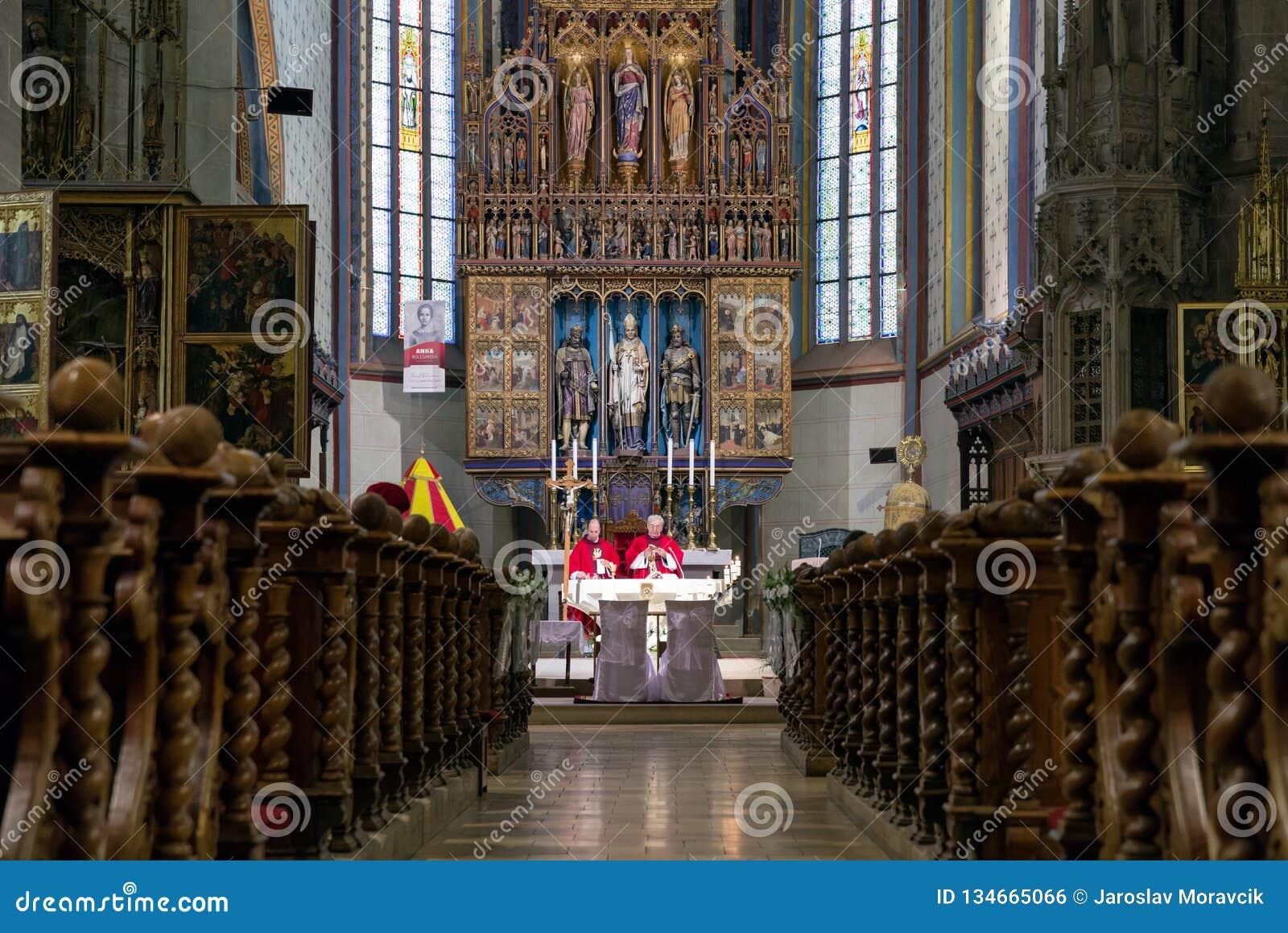 Massa na igreja Católica, Bardejov - Eslováquia