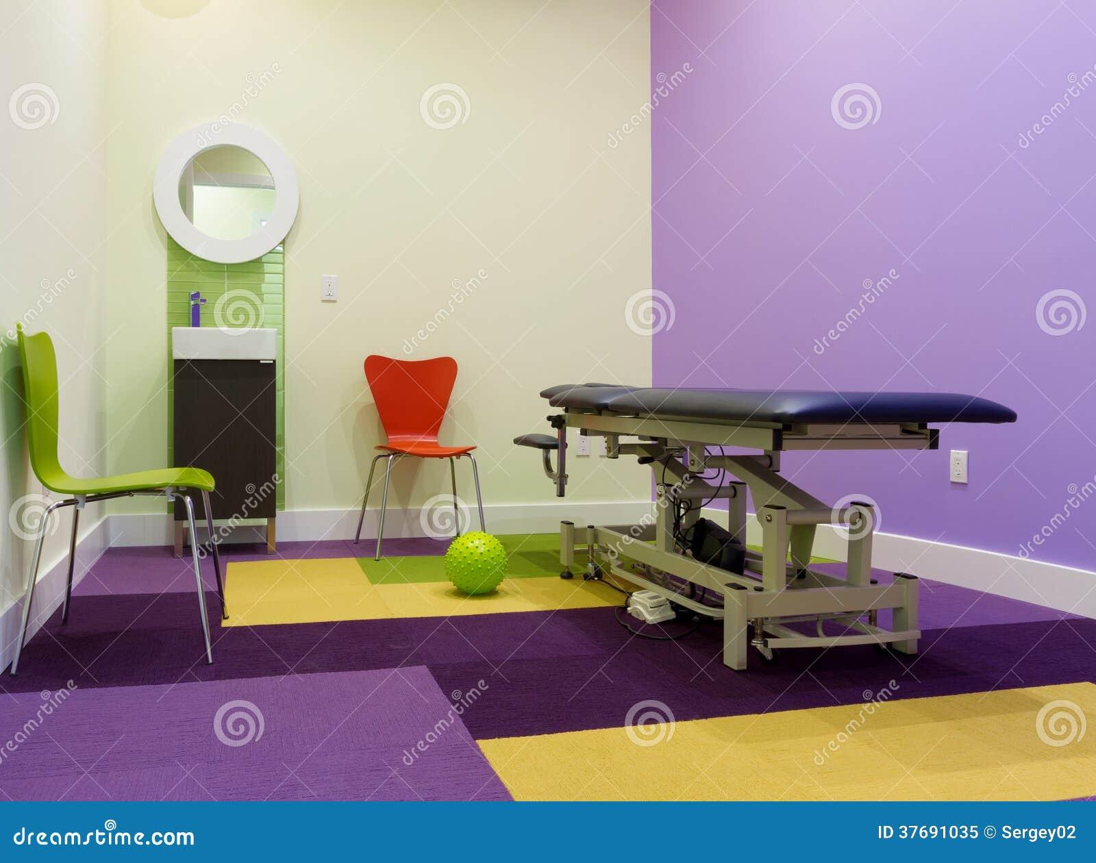 Massage raum innenarchitektur lizenzfreies stockfoto for Innenarchitektur yoga