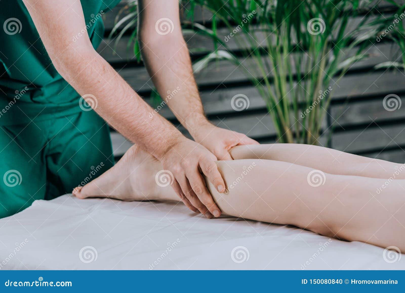 Massagem da vitela do p?