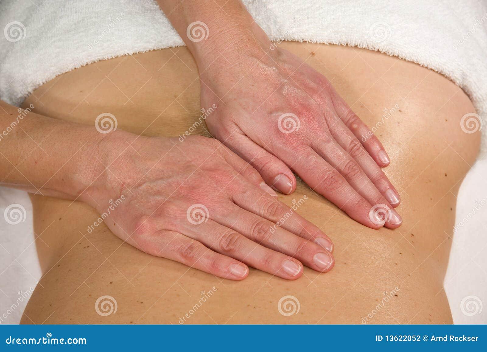 Massaggio alla regione lombare