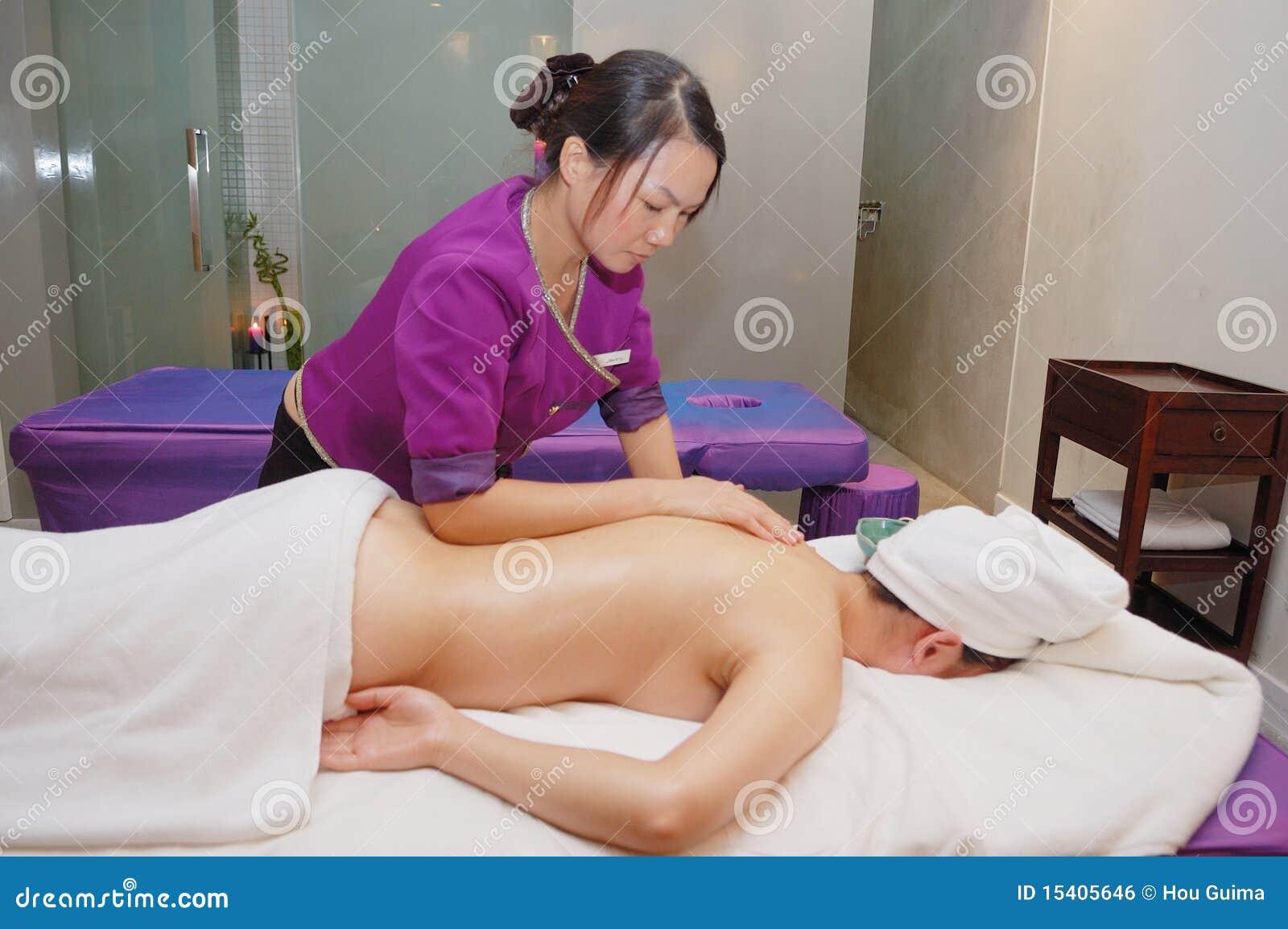 Massaggio nel salone di bellezza