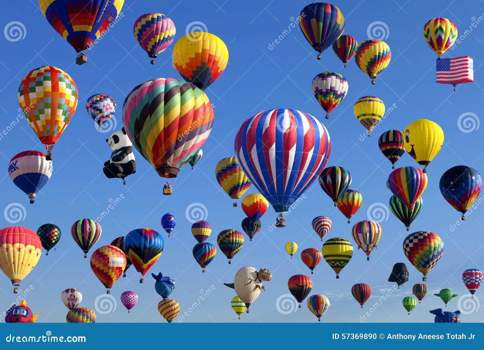 Massenbesteigung - New-Jersey im Ballon aufsteigendes Festival