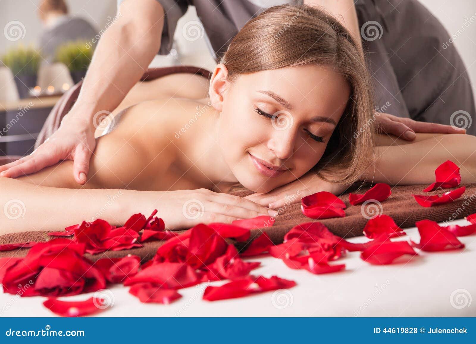 Эротический массаж с выездом на дом в москве 7 фотография