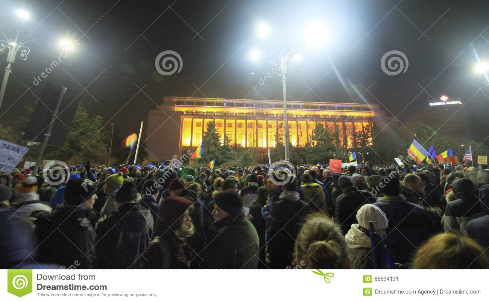 Massief protest in Boekarest - Piata Victoriei in 05 02 2017