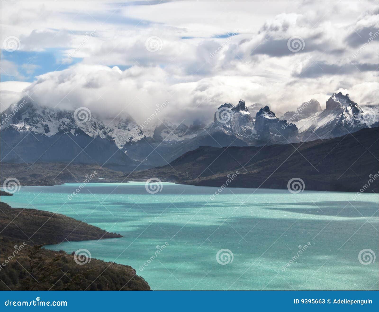 Massif de Paine de Lago Toro