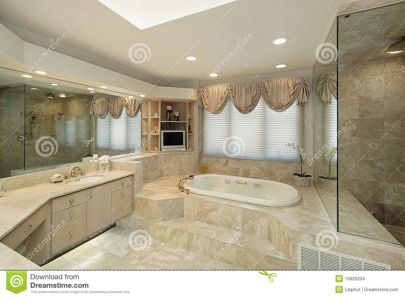 Master Bath With Step Up Tub Stock Photo - Image of suburban, family ...