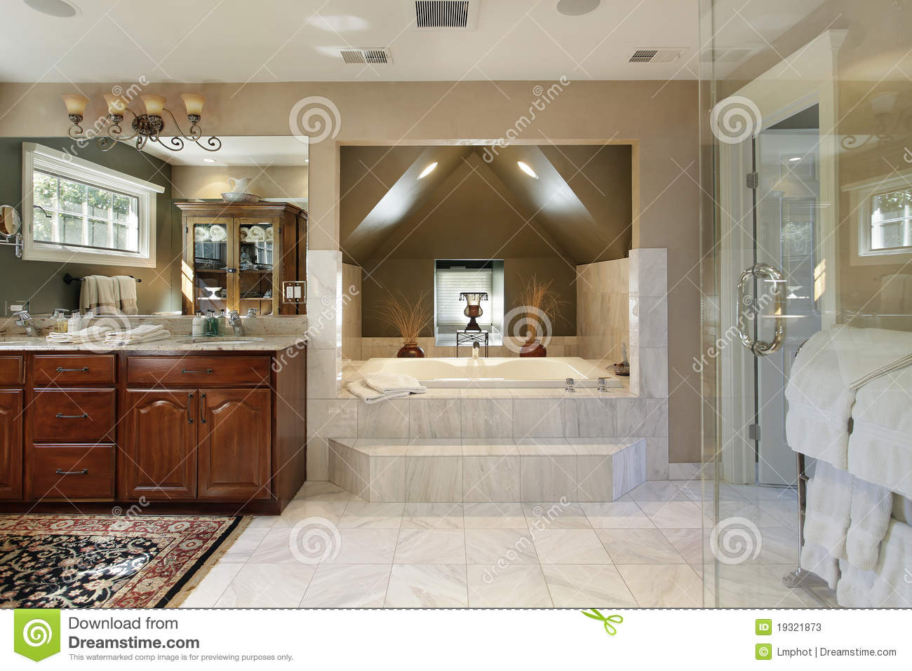 Master Bath With Step Up Tub Stock Image - Image of interior, room ...