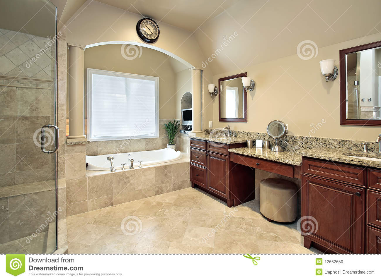 Master Bath With Tub Columns Stock Photo - Image of estate, lighting ...