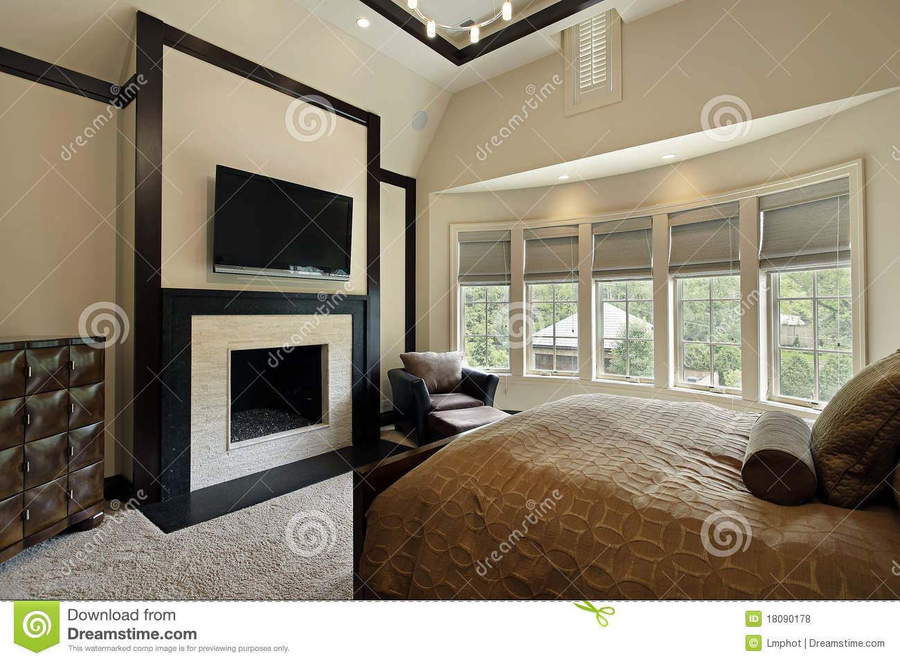 Master Bedroom With Wall Of Windows Royalty Free Stock