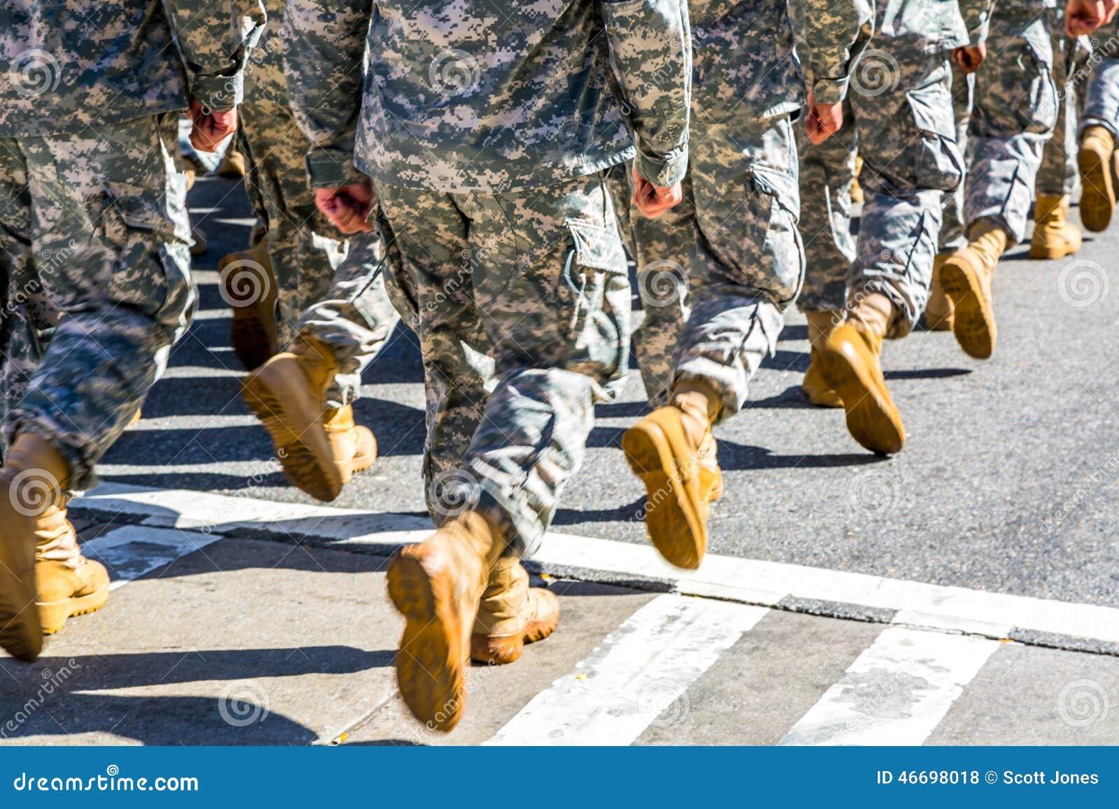 Maszerować oddziałów wojskowych
