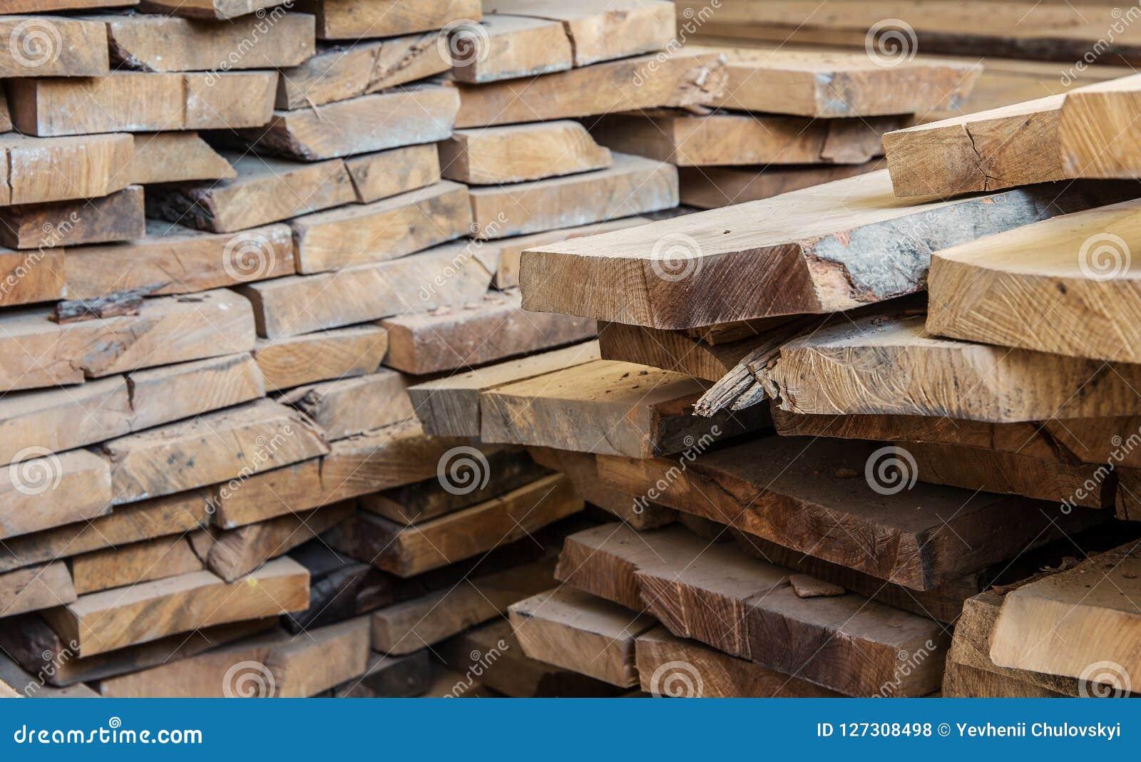 Matériau de construction en bois de bois de construction pour le fond et la texture Fin vers le haut abrégez le fond Petite profo
