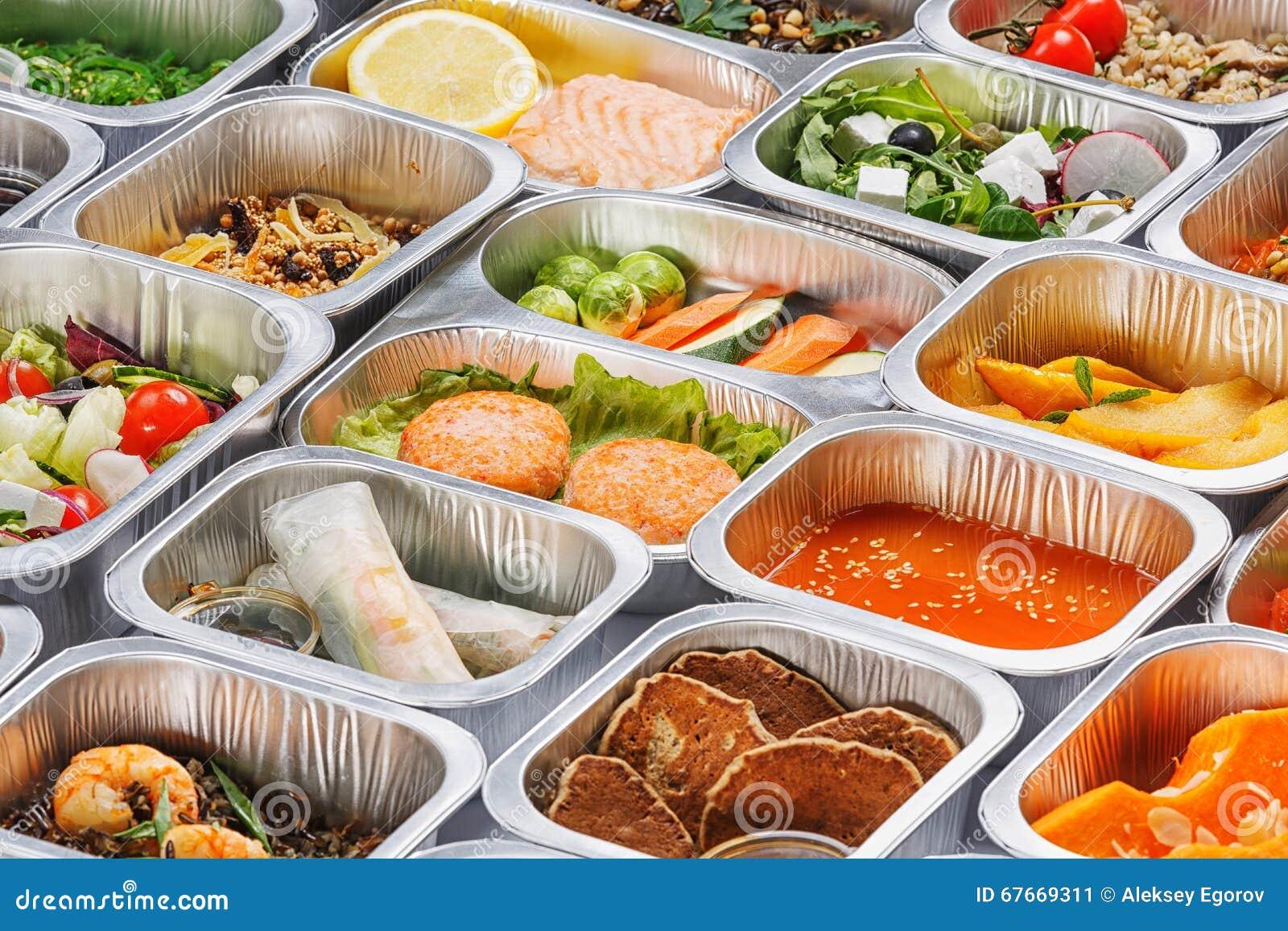 Mat i behållarna