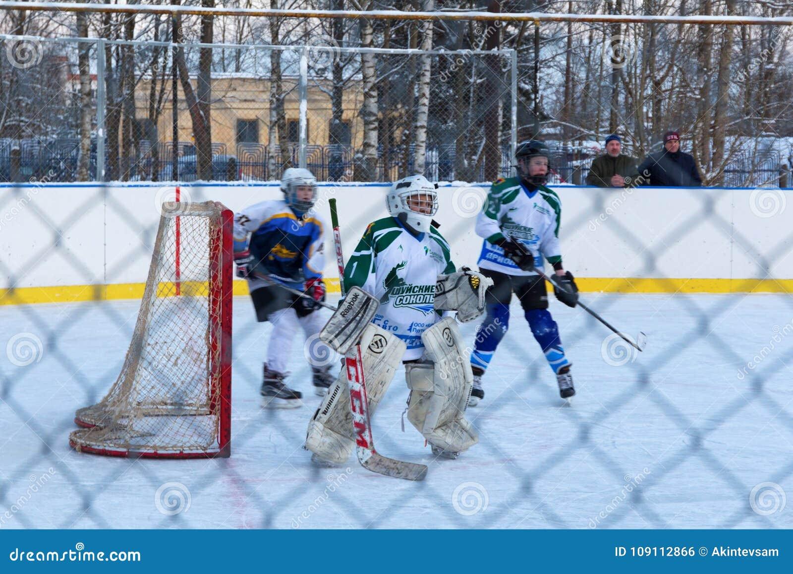 Match de hockey sur glace de la jeunesse Shuiskie Sokoly contre Himik, le 3 février, 20