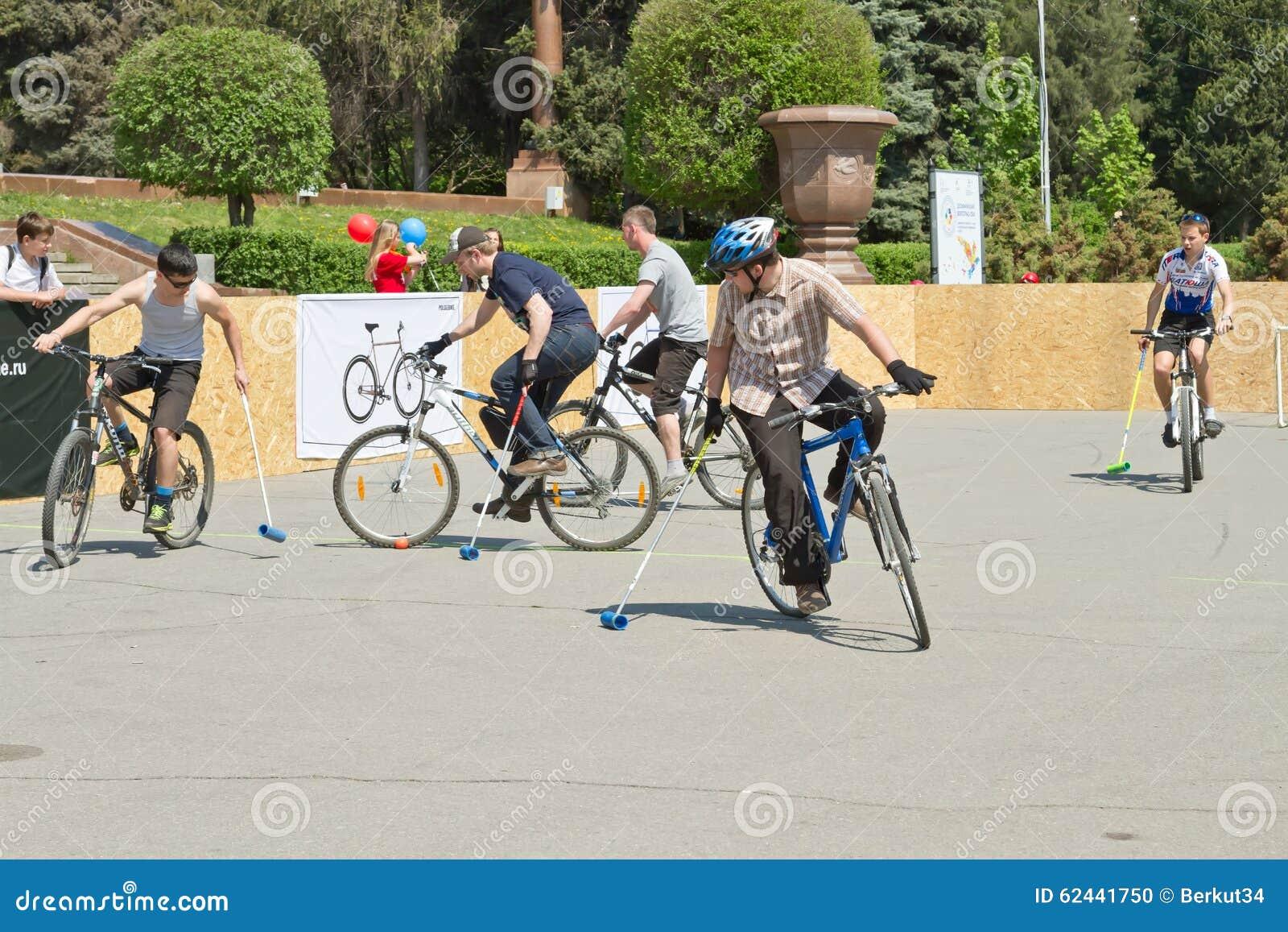 Match för demonstrationscykelpolo på händelsen