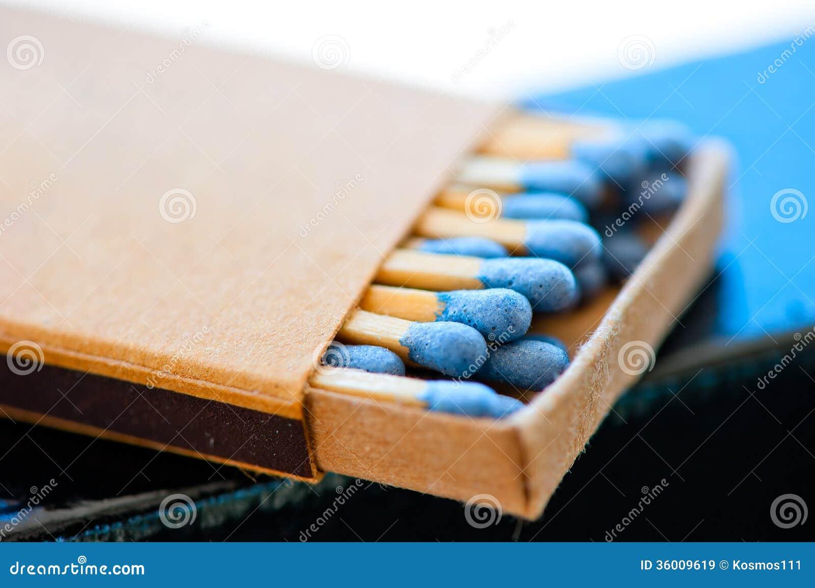 Matchbox z błękitnymi głowami