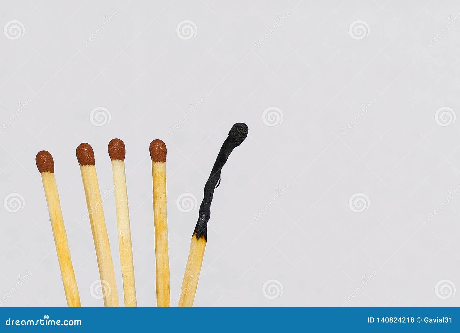 Matchstick μεταξύ εκείνων που δεν καίγονται ολοσχερώς