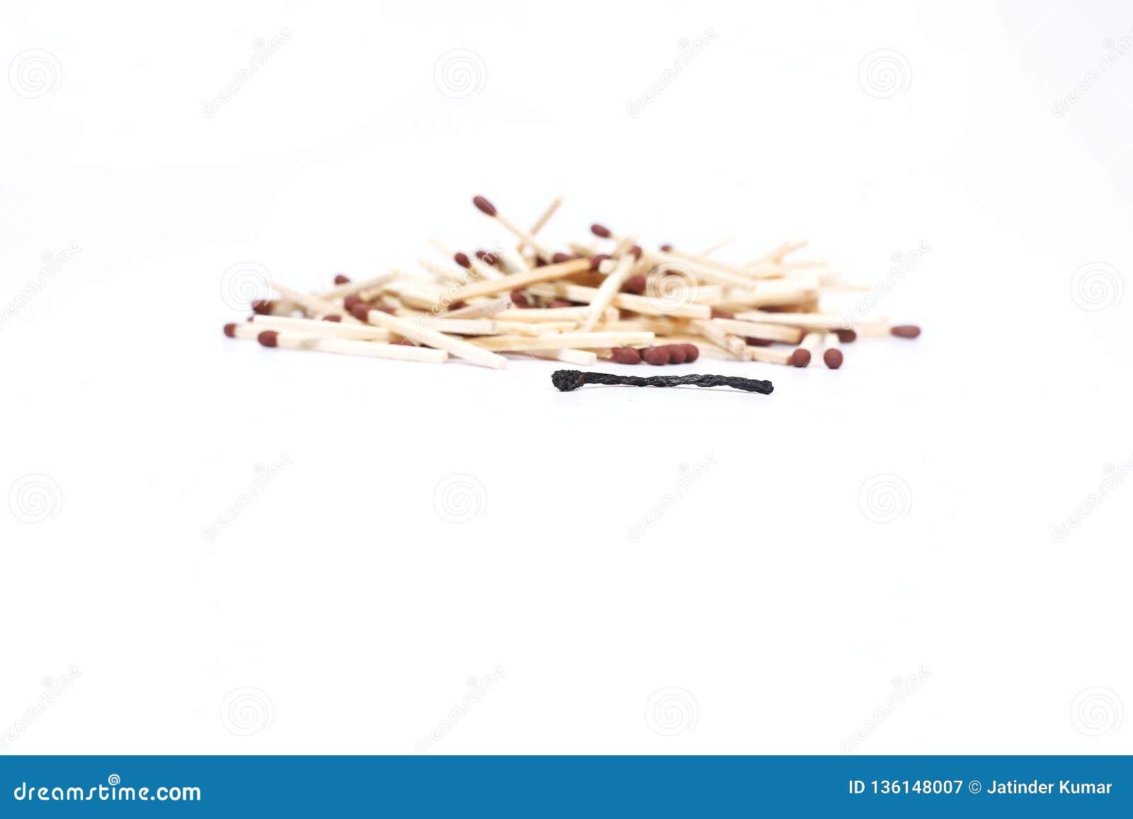 Matchstick το ένα που καίγεται με matchstick