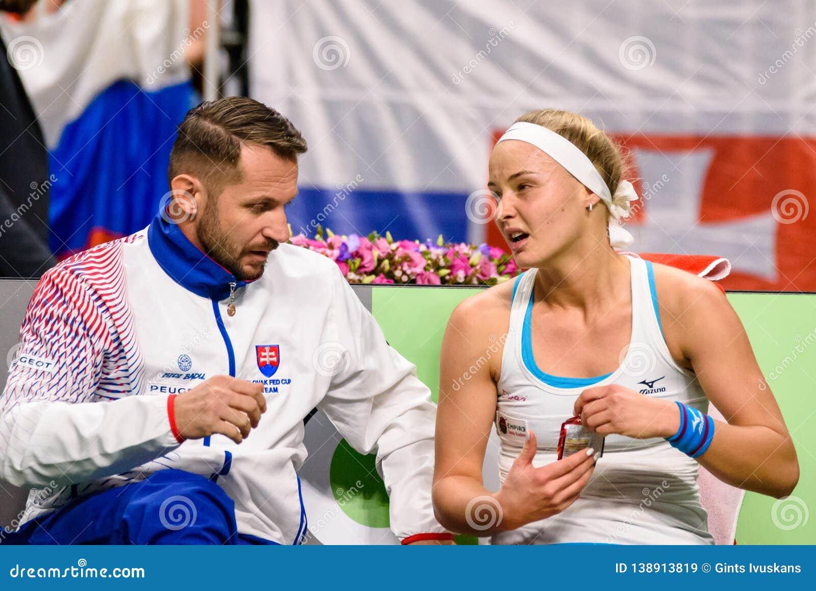 Matej Liptak en Rebecca Sramkova, tijdens de Wereldgroep II van FEDCUP BNP Paribas Eerste Rond spel tussen team Letland en team S