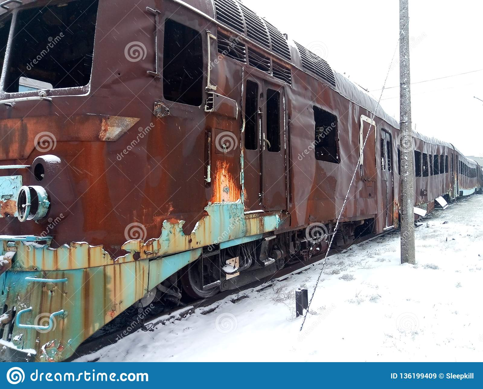 Materiaal na rampen en militaire operatie De brandwond van de passagierstrein uit Retro vervoer Weersomstandigheden