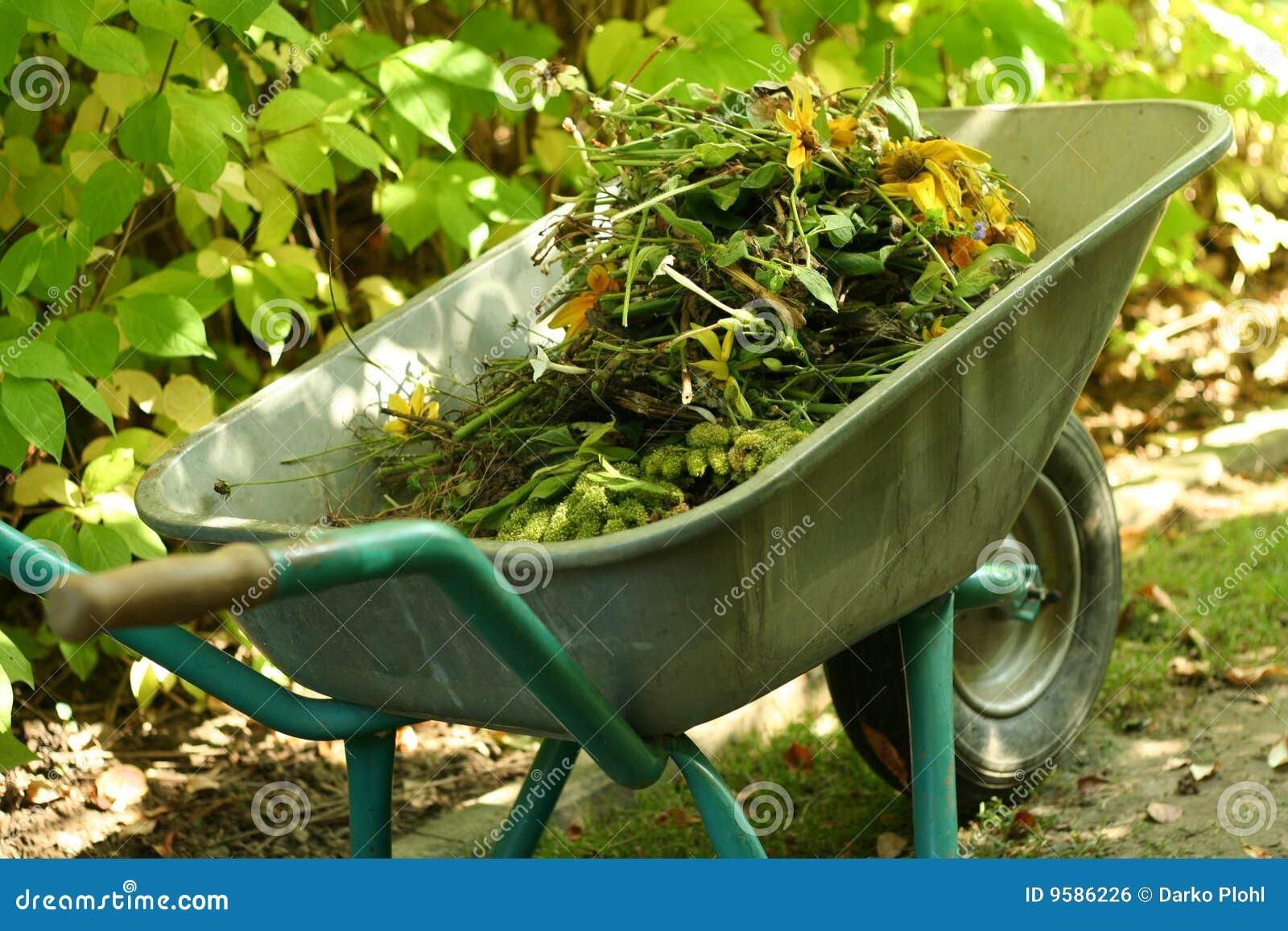 materiale giardinaggio