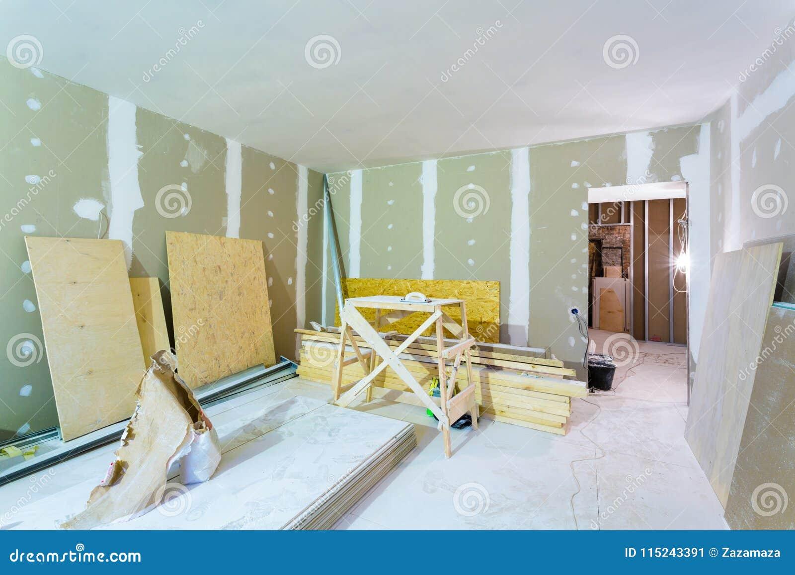 Materiales Para La Construcción - Los Paquetes De La Masilla, Las ...