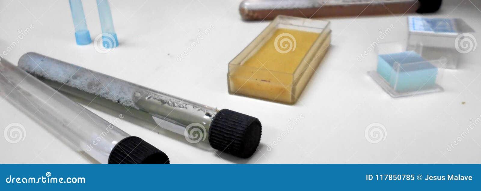 Materiali del laboratorio per le prove