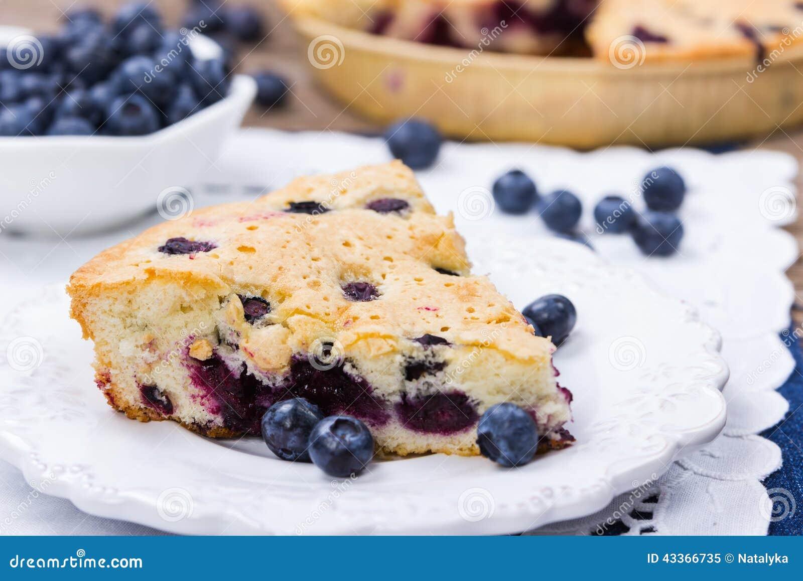 Materialien: Blaubeeren, saure Sahne, Zucker, zwei Eier