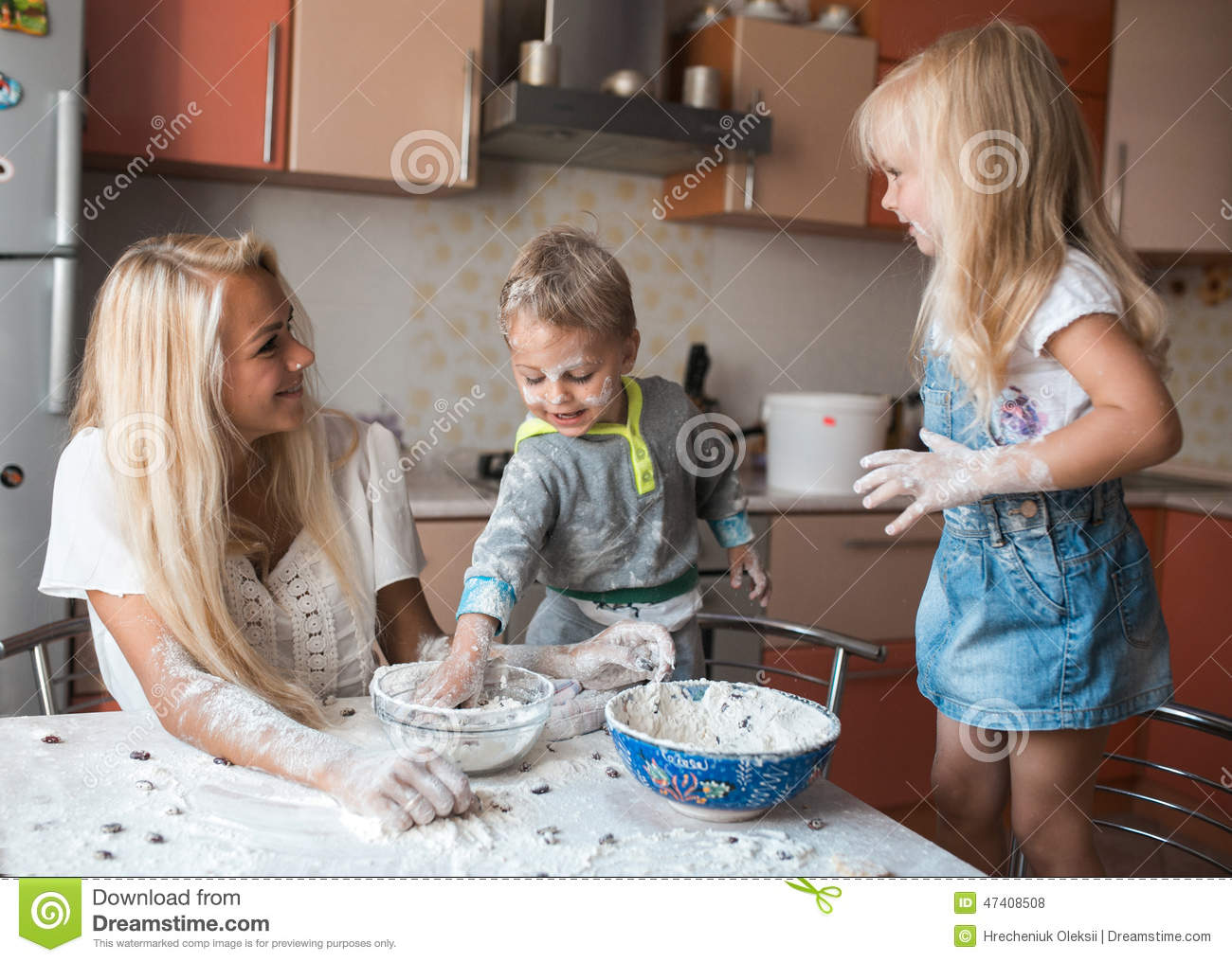 Mather Daughter And Son Throws Flour In Each Other Royalty