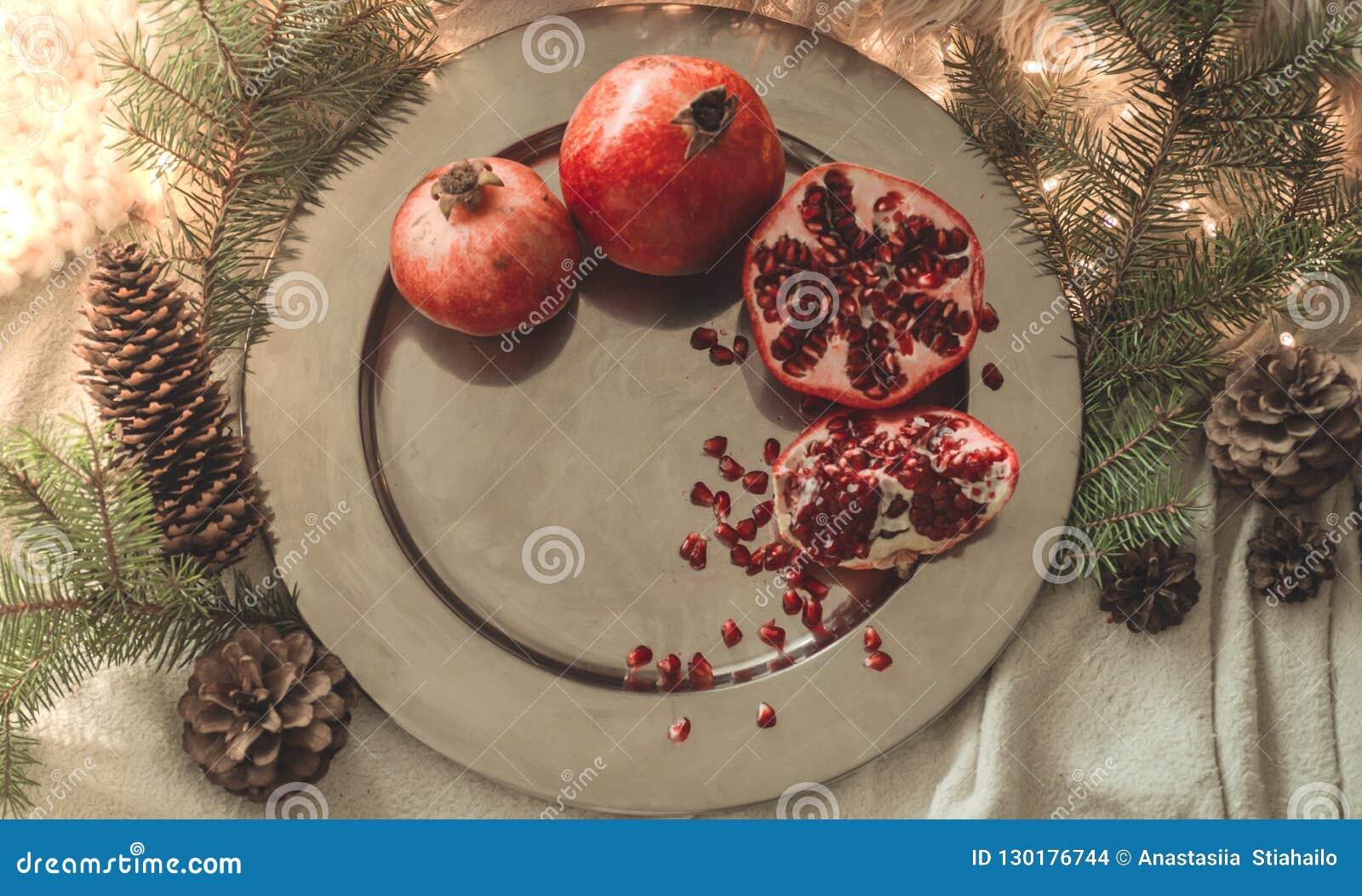 Arbre En Pot Hiver matin confortable d'hiver à la maison avec des fruits
