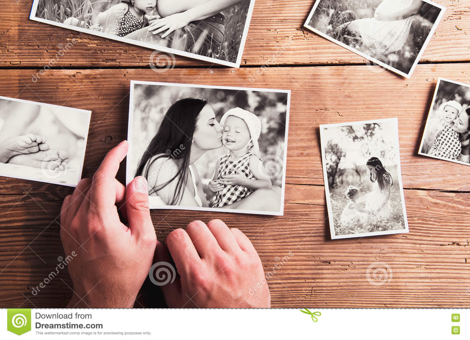 Matka dnia skład Czarno biały obrazki, drewniany backgr