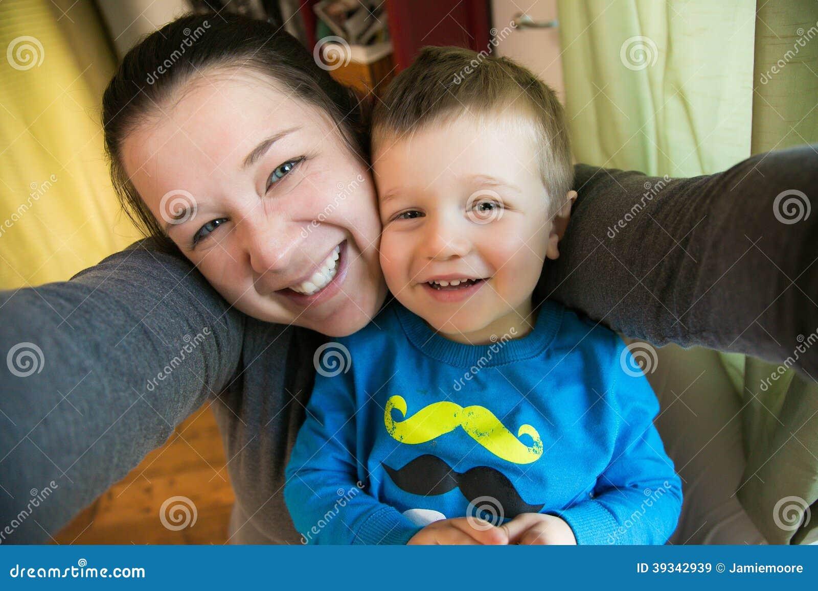 mama bierze syna azjatyckie niechlujstwa robienie loda