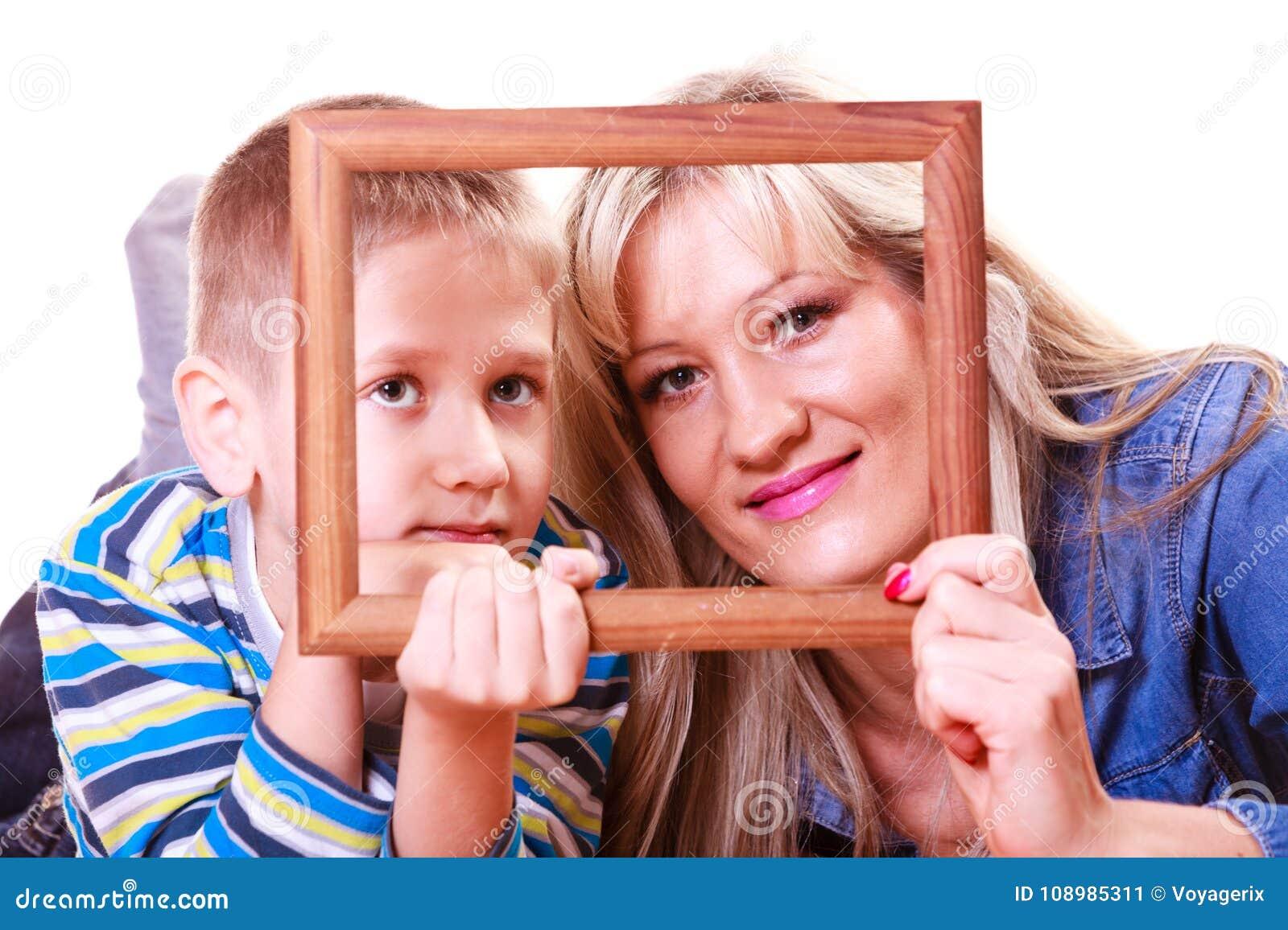 Matki i syna sztuka z pustą ramą