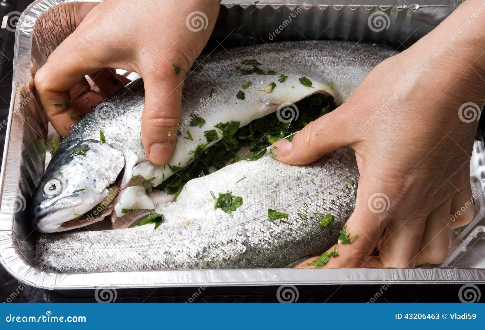 Download Matlagningforell i folie fotografering för bildbyråer. Bild av ingrediens - 43206463